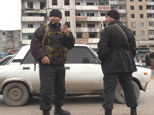 Установлены 2 боевиков, обстрелявшие машину с полицейскими в Чечне